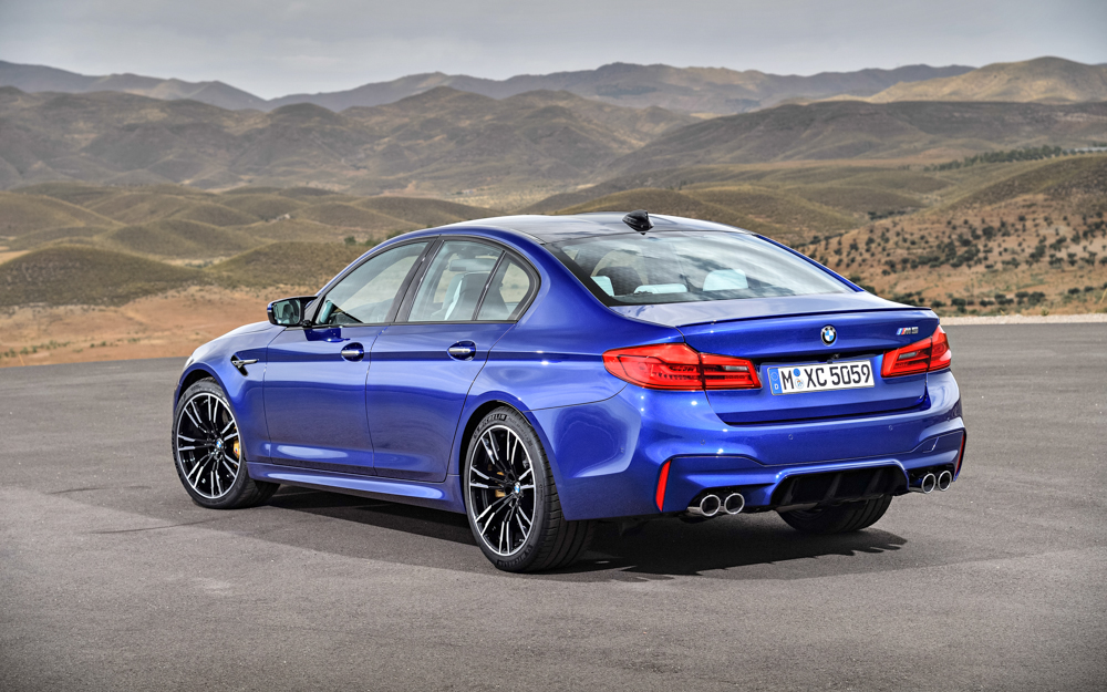 Bombing Around Sepang With The New F90 Bmw M5